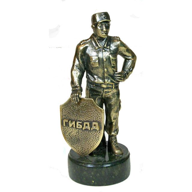 Полицейский со щитом(ГИБДД,МВД,ДПС,полиция)